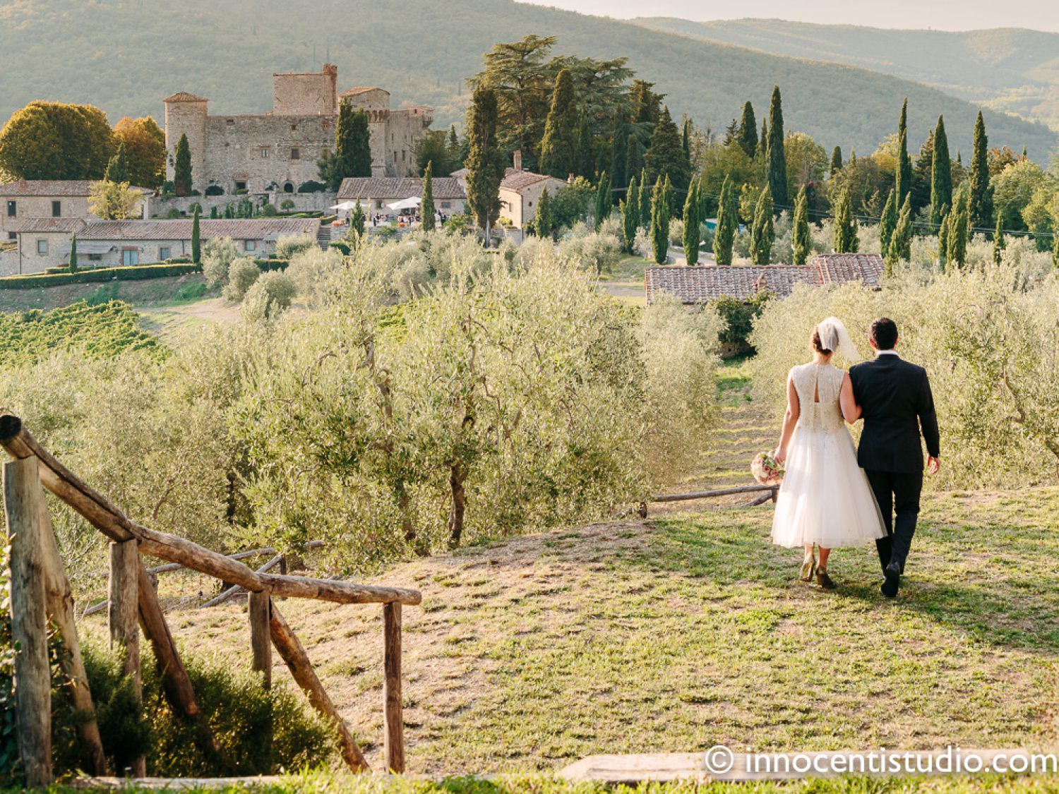 wedding officiant in Tuscany Chianti